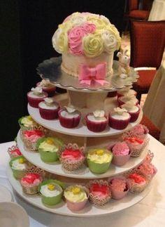 Wedding cupcakes. By Jaxi