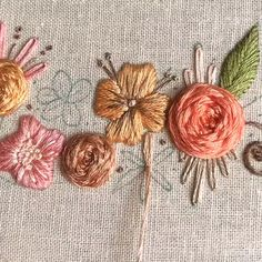 Embroidery for beginners Hand Embroidery Videos, Flower Embroidery Designs, Embroidery Patterns Free, Learn Embroidery, Hand Embroidery Stitches, Embroidery For Beginners, Crewel Embroidery, Ribbon Embroidery, Floral Embroidery