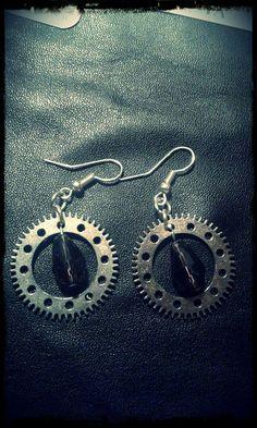 Guarda questo articolo nel mio negozio Etsy https://www.etsy.com/it/listing/400820351/gears-earrings