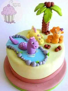ideas cupcakes cakes dinosaur for 2019 Bolo Fondant, Fondant Cakes, Cupcake Cakes, Dinosaur Birthday Cakes, 3rd Birthday Cakes, Dinasour Cake, Dino Cake, Animal Cakes, Novelty Cakes