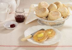 If you love to bake bread but haven't tried English muffins yet, you're going to be amazed at how easy and delicious homemade muffins really are. And if it's your desire to be a bread baker, Englis… Are English Muffins Healthy, English Muffin Nutrition, Homemade English Muffins, Homemade Muffins, Homemade Biscuits, Baking Bowl, Bread Baking, Muffin Recipes, Breakfast Recipes