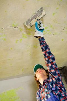 How to Fix a Hole in a Plaster Ceiling From a Water Leak