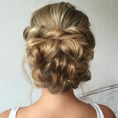 Bridal Bun by @heatherchapmanhair❤️ Perfect! who agree?