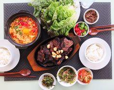 Hansik- Korean bbq short rib and soft tofu soup. 오랜만에 날씨가 좋아 숫불에 LA갈비굽고 해산물 순두부 찌개 끓여 막걸리랑 한잔과 함께 맛있는 토요일 주말