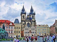 Altstädter Ring in Prag: Top Sehenswürdigkeiten von Prag findest Du hier: http://blog.cph-hotels.com/2015/07/prag-sehenswuerdigkeiten-top-3.html  Tolle Hotels für eine Reise nach Prag gibt es hier: http://cph-hotels.com/de/Hotels/cph-hotels-tschechische-republik.html