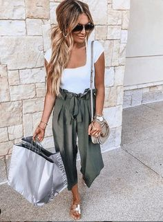 how to make your outfit pop: add white denim to your favorite tank! 28 summer outfits that make you look cool # summer outfits …, Cute Summer Outfits For Teens 25 yolovscoo – – # women'sfashion 65 trendy summer outfit ideas for teen girls to copy 40 ~ … Spring Outfit Women, Spring Outfits For Teen Girls, Cute Spring Outfits, Outfits For Teens, Summer Fashion Trends, Summer Fashion Outfits, Casual Summer Outfits, Spring Fashion, Summer Fashions