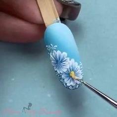 Flower nail art - The Effective Pictures We Offer You About diy clothes A quality picture can tell you many things. Nail Art Designs Videos, Nail Art Videos, Nail Designs, Nail Art Hacks, Nail Art Diy, Diy Nails, Bright Summer Acrylic Nails, Nail Drawing, Floral Nail Art