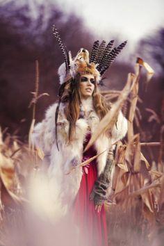 via tumblr | #bohemian #boho #hippie #gypsy Creative Photography, Art Photography, Fashion Photography, Landscape Photography, Motifs Aztèques, Foto Fantasy, Showing Respect, Tribal Warrior, Woman Warrior