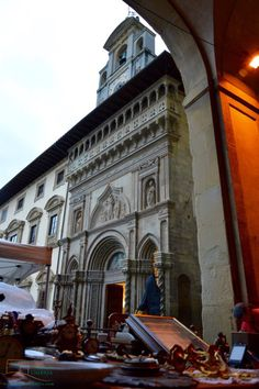 "Villa in Umbria blog ""Visit the antique market in Arezzo, Tuscany"""