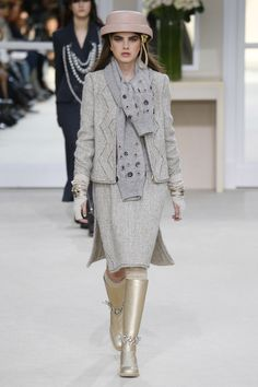Chanel | Ready-to-Wear - Autumn 2016 | Look 38
