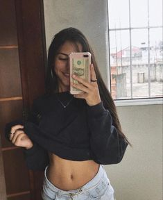 Crying Girl, Best Photo Poses, Girl Outfits, Cute Outfits, Instagram And Snapchat, Snapchat Girls, Selfie Poses, Photos Tumblr, Tumblr Girls