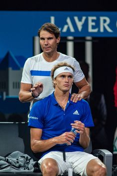 (AP) – Roger Federer and Rafael Nadal won their singles matches Saturday to help Team Europe retain its lead over Team World on Day 2 of the Laver Cup. Using some courtside coaching from Rafa… Nadal Tennis, Atp Tennis, Sport Tennis, Federer Nadal, Rafael Nadal Fans, Rafa Nadal, Alexander Zverev, Tennis World, The Prince Of Tennis
