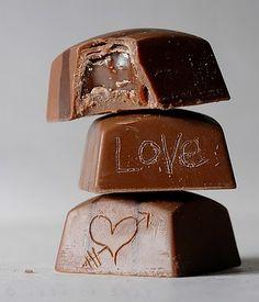 Roberta Giovaneli: Caramelos de Chocolate