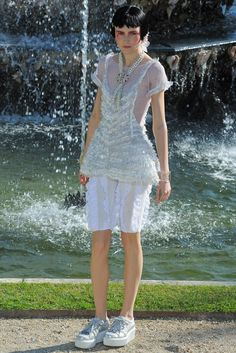 Chanel Resort 2013 Fashion Show - Alina Kozelkova (METROPOLITAN)