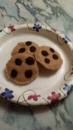 Felt food chocolate chip cookies