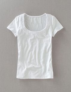 I've spotted this @BodenClothing Pretty Ruffle Tee