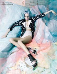 Hanne Gaby rocks pastel locks… Easter egg-hued hair, how appropriate!
