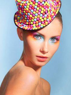 Pastel Makeup Rainbow EyeShadow- The Dreamiest Ways to Wear It. Pastel Makeup, Blue Eye Makeup, Makeup Art, Beauty Makeup, Makeup Ideas, Purple Eyeshadow, Lip Makeup, Makeup Tips, Candy Girls
