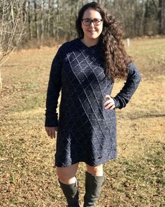 @5outof4patterns posted to Instagram: Are you looking for a cozy pattern for fall that still looks put together and stylish? The Josephine Sweatshirt pattern might be the perfect pattern for you! The Josephine can be made with sweatshirt knit and other cozy fabrics. The Josephine has tons of options like short or long sleeves, 4 necklines, 4 hem lengths, and options for hems or bands. Check it out with the link in my bio! #5outof4patterns #pdfsewingpatterns #5oo4 #pdf #isew #sewcialists #handm Fall Sewing, Pdf Sewing Patterns, Bands, Fabrics, Cozy, Pullover, Knitting, Stylish, Sweatshirts