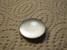 30 Stück Schillerknöpfe mit Öse Normal Grausilber,Durchmesser ca.23 mm,Neu ,Lübecker Knopfmanufaktur,(Farbabweichung durch Regenbogenefeckt) von Knopfshop auf Etsy