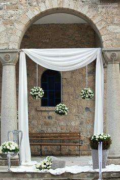 Luxury Wedding Dress, Floral Wedding, Wedding Dresses, Home Wedding Decorations, Ceremony Decorations, Church Wedding, Rustic Wedding, Altar, Wedding Designs