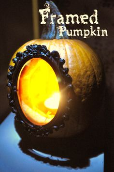 Framed Pumpkins - Very cool      From: http://www.indieprettyprojects.com/2011/10/diy-framed-pumpkins.html