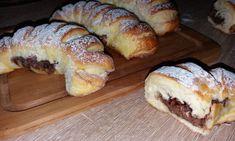 Sunt atat de bune si de fragede aceste pariziene cu ciocolata si merg foarte bine umplute si cu gemuri ori branza, dulce ori sarata. Ingrediente pariziene cu ciocolata: 500 g faina 150 ml lapte 100 g zahar 2 oua 40 g margarina Unirea 4 linguri de ulei 1 lingurita de miere 1 plic de drojdie […] Sweet Memories, Bread Baking, Doughnut, Donuts, French Toast, Sweet Treats, Deserts, Food And Drink, Cooking Recipes