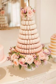 18 Sweet Macaroon Wedding Cake Ideas to Dazzle Your Guests is part of Macaroon wedding cakes The trend for wedding desserts changes so quickly these days And right now the top trend dominating wedd - Macaroon Tower, Macaroon Cake, Beautiful Wedding Cakes, Beautiful Cakes, Dream Wedding, Wedding Peach, Spring Wedding, Wedding Flowers, Macaroon Wedding Cakes