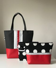 Best 12 Shoulderbag, polka dots, black and white, red, kosmetics bag. My work. Tote Purse, Tote Handbags, Bag Patterns To Sew, Pdf Patterns, Quilted Bag, Fabric Bags, Handmade Bags, Beautiful Bags, Bag Making