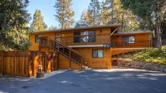 Golden Trout Retreat | Yosemite Rentals & Reservations Kitchen Dinning, Dining Area, Jacuzzi Covers, Yosemite Lodging, Propane Fireplace, Retreat House, Picnic Table, Trout, Wonderful Places