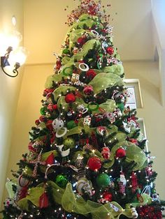 Red and Lime Green Christmas Tree with Deco Mesh Ribbon! Great site that shows you how to do this! Also the garland and chandelier wreath! Noel Christmas, Merry Little Christmas, All Things Christmas, Winter Christmas, Christmas Photos, Holiday Crafts, Holiday Fun, Holiday Ideas, 242