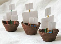 Pirate Day Egg-carton boats - 3 cardboard egg cups - Brown acrylic craft paint - Paintbrush - ¼ cup modeling clay or play dough - 6 toothpicks - 1 sheet white paper - Scissors - White craft glue. Jaime says: these float good! Kids Crafts, Glue Crafts, Preschool Crafts, Pirate Preschool, Easy Crafts, Pirate Ship Craft, Pirate Crafts, Pirate Ships, Pirate Day