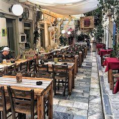 Syros, Kikladhes, Greece... Όσο άδεια είναι η ζωή καμία φορά τόσο γεμάτη είναι η ψυχή #travel_greece #wu_greece #great_street_photos #ig_greece #ig_worldclub #perfect_greece #sunset_greece #heavenly_shotz #bns_greece #thegreeceguide #greecelover_gr #global_stars #travel_drops #bns_greece