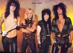 Great pic of the guys remembering Motley Cure's good old days