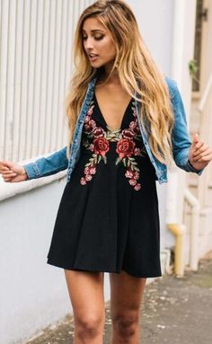 Details: Floral embroidery Deep v neck Back zipper Material:Polyester Regular wash We can ship items to any country! We accept Visa ,MasterCard and Paypal . SIZE(CM) US BUST WAIST LENGTH S 2 80 65 83