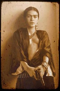 Frida Kahlo. Armed and dangerous