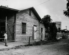 Lado este de la estación de ferrocarril de Carolina,año 1950,Puerto Rico.