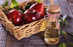 Is It Safe To Take Apple Cider Vinegar While Breastfeeding? Is it safe to use apple cider vinegar while breastfeeding? Well, fret not! Here, we have compiled some useful information about the safety of it. Read on! Apple Cider Vinegar Warts, Apple Cider Vinegar Remedies, Apple Cider Vinegar Benefits, Vic Vaporub, Carne Defumada, Low Cal, Apple Health Benefits, Bebidas Detox, Detox Drinks