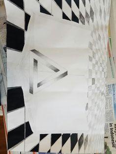 Dit is de zevende keer dat ik met mijn tekening ben verder  gegaan thuis. Ik heb vandaag voor de laatste keer aan de tegels gewerkt. Ik heb het cement laagje tussen de tegels een grijze kleur gegeven. daar heb ik weer verf en een beetje water gebruikt. Alles is verder goed gegaan maar bij sommige plaatsen zie je nog dat de cement laagjes of de tegels niet helemaal mooi recht zijn getekend, maar voor de rest ben ik er tevreden over.