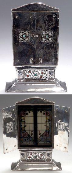 Bruckmann & Sons, Heilbronn, Germany. Closable mourning frame, c1910. Silver, beads. Marked: German hallmarks, 800, maker's mark, EUGEN MARCUS. H. 20.8 cm; 15 x 6.6 cm.