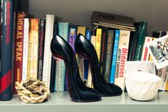 Care to take a walk? http://www.thecoveteur.com/daisy-lowe-model/