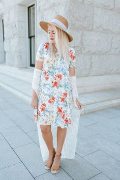 IT HAS POCKETS! | The Red Closet Diary | Instagram: @ jalynnschroeder | Fall fashion, Summer fashion, floral dress, lace cardigan, women's hat, pocket dress, blue hair, green hair.