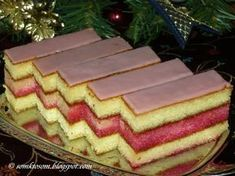 Janka's punch cuts - Food and Drink Slovak Recipes, Czech Recipes, Czech Desserts, Delish Cakes, Sweet Cooking, Vegetarian Breakfast Recipes, Good Food, Yummy Food, Small Desserts