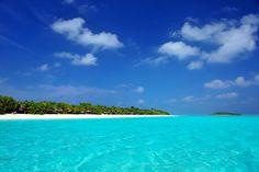 Stunning island view of Kanuhura Maldives.