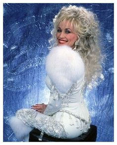 Dolly Parton Dolly Parton Tattoos, Dolly Parton Wigs, Dolly Parton Costume, Dolly Parton Quotes, Country Music Artists, Country Music Stars, Texas Movie, Dolly Parton Imagination Library, Dolly Parton Pictures