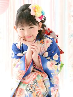 Cute Japanese of the young girl. She is wearing a beautiful kimono.  #japan #kimono