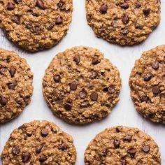 No dejen de hacer estas increíbles cookies de 🔛AVENA Y CHOCOLATE🔛. Son un 1000😍😍, muy fáciles D e hacer y sanas👏🏻. Necesitan ✍🏻 1 huevo ✍🏻 1/2 taza de miel ✍🏻 8 sobres de stevia ✍🏻1 taza de avena instantánea @quaker_arg ✍🏻 1 cdita y 1/2 de polvo para hornear ✍🏻 3 Cdas soperas de chips de chocolate amargo ✍🏻 1 cdita de canela ✍🏻 1 cdita de sal ✍🏻 1 cda de extracto de vainilla ✍🏻 3/4 de harina integral . 💥PARA SALSITA ARRIBA DE LAS COOKIES TIPO CHEESCAKE💥. ✍🏻 2 Cdas soperas…
