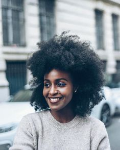 See this Instagram photo by @musesuniform • : pic by @leshommesheureux || Afro hair. Natural hair. Kinky curly hair. 4a hair. 4b hair. Afro textures. Afro-textured hair. Dark skin. Brown skin. Beauty. Natural beauty.