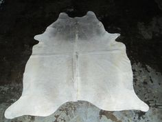x Rare White Cowhide Rug White Cowhide Rug, Cow Hide Rug, Latex Free, Leather Fashion, Real Leather, This Or That Questions, Rugs, Handmade, Color