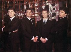 the searchers band The Searchers Band, Gerry And The Pacemakers, Classic Rock, Rock Music, Music Artists, Rock Bands, The Beatles, Liverpool, The Originals